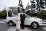 Nowy papamobile dla papieża Benedykta XVI