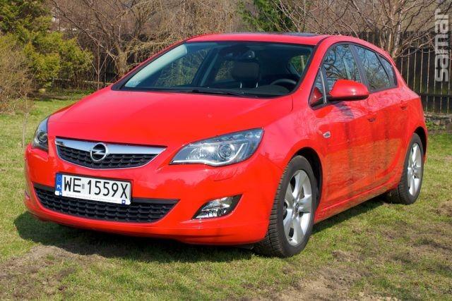 Opel Astra IV HTB 2011