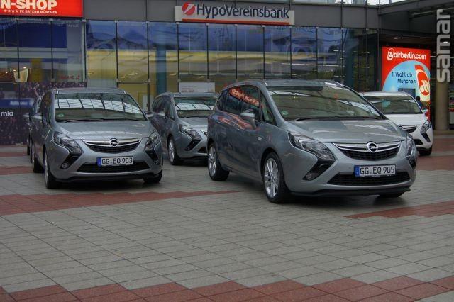 Opel Zefira Tourer 2011