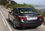 Renault Latitude w zbliżeniu
