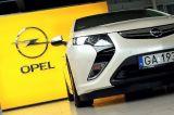 Pierwsi klienci w Polsce odebrali Opla Amperę