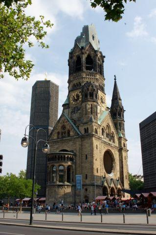 Kościół w Berlinie zbombardowany w czasie II wojny