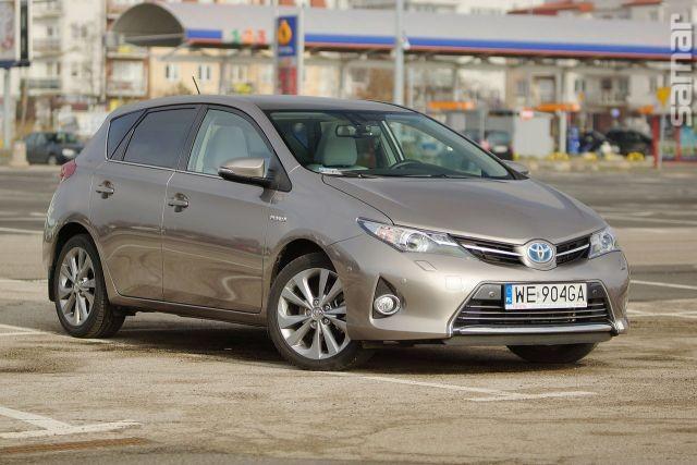 Toyota Auris Hybrid 2014