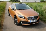 Volvo V40 Cross Country na cztery łapy