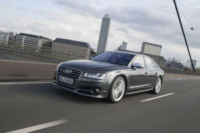 Audi S8 - 2013