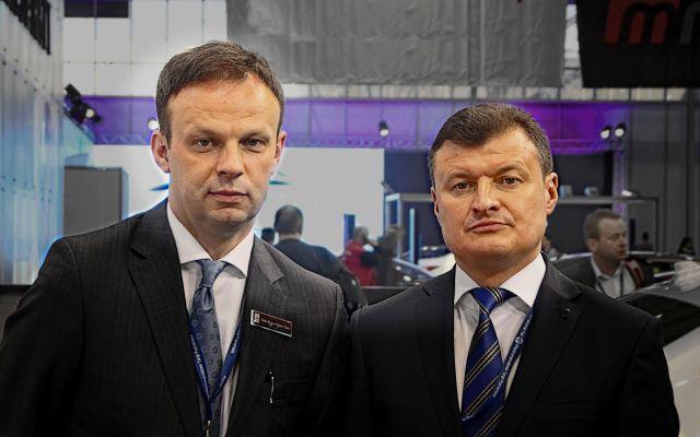 Piotr Fus (z lewej) z bratem Tomaszem. Współwłaściciele Rolls-Royce Motor Cars Warszawa