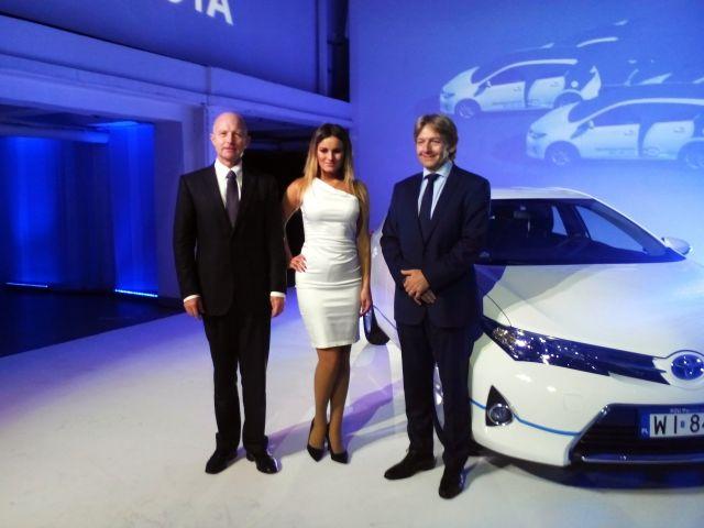 Od lewej: Andrzej Klesyk, prezes PZU S.A.oraz Jacek Pawlak, prezes Toyota Motor Poland