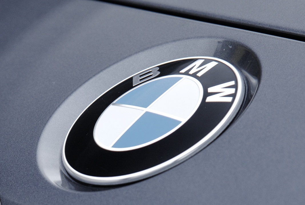 bmw motorcycle logo meaning and history symbol bmw - 768×530
