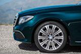 Mercedes wciąż nie traci pary